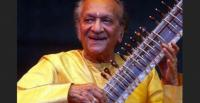 Legendary sitar player Ravi Shankar (1920-2012) performing in Delhi in 2009 [Photo: Internet]